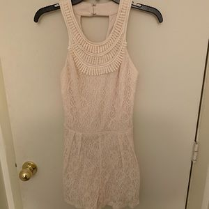 Women's City Triangles Size 3 Romper NWOT